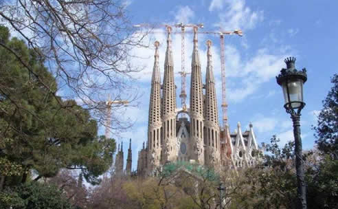Viajar a través de  las catedrales españolas